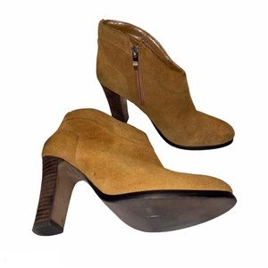 Crown Vintage Suede Ankle Boots 6.5